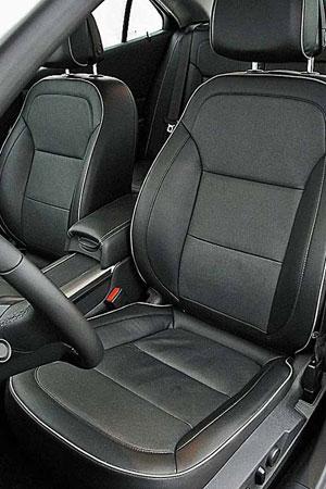 Передние седения Chevrolet Malibu